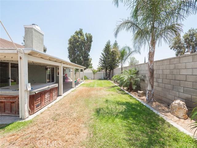1145 Wildflower Street, Rialto CA: http://media.crmls.org/medias/f839b745-ea1c-4a16-9bea-8f7579398283.jpg