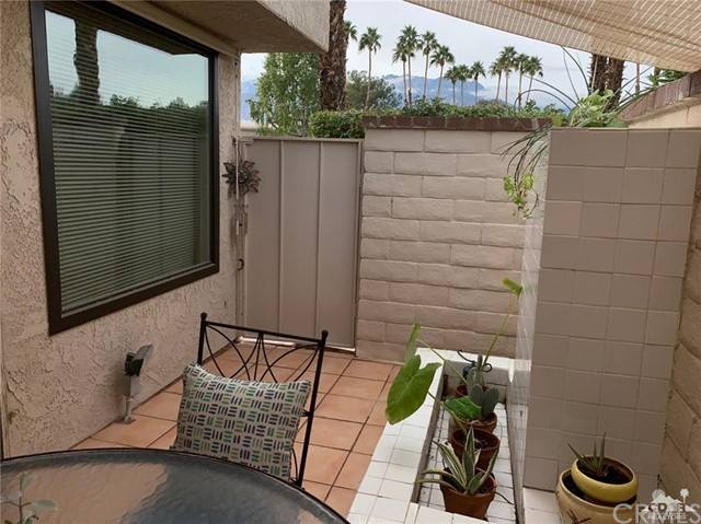 68107 Seven Oaks Drive, Cathedral City CA: http://media.crmls.org/medias/f84104be-c7d8-4992-8e6d-c0df4d4b69f2.jpg
