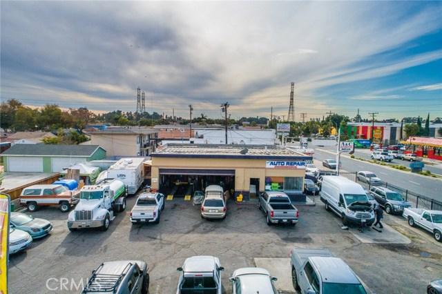 6990 N Paramount Boulevard, Long Beach CA: http://media.crmls.org/medias/f849a5cf-c820-446f-b974-c3c5b509f1d5.jpg