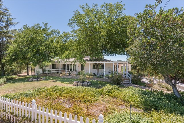 Property for sale at 9325 Chimney Rock Road, Paso Robles,  CA 93446