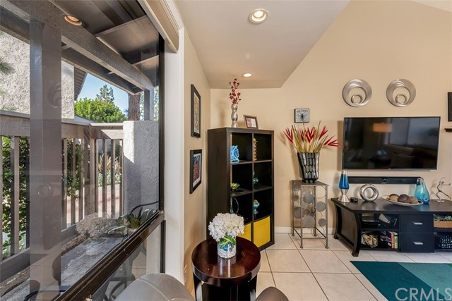 404 N Via Roma, Anaheim, CA 92806 Photo 8