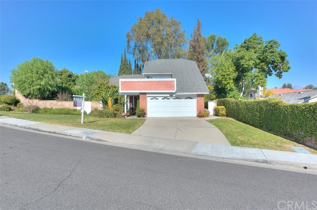 3 Sunny Slope Rd, Phillips Ranch, CA 91766