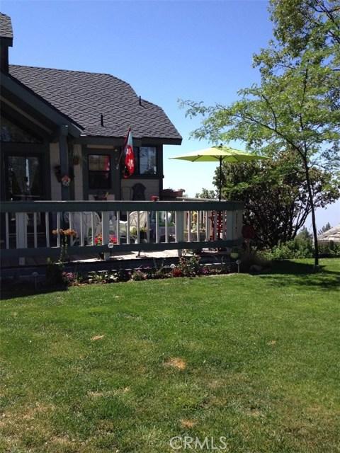 30293 Leprechaun Court, Running Springs Area CA: http://media.crmls.org/medias/f86bad05-7006-4c4d-bf54-425b7e07944d.jpg