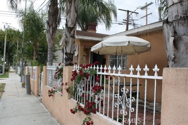 6115 Rugby Avenue, Los Angeles CA: http://media.crmls.org/medias/f870f809-c4eb-493d-a0fd-2be5eef85927.jpg