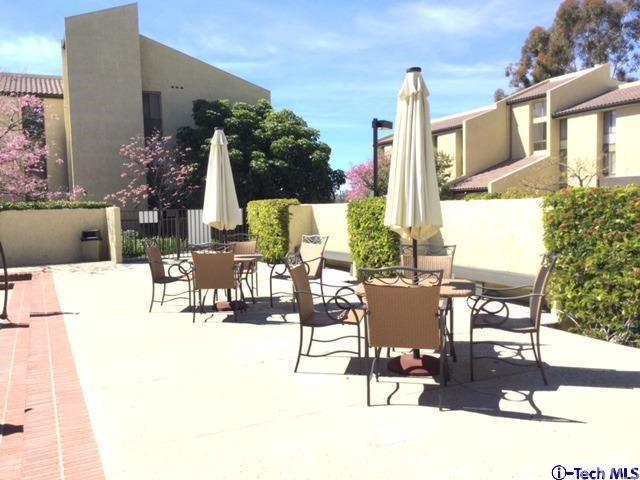 4040 Via Marisol, Los Angeles CA: http://media.crmls.org/medias/f878983c-7422-47ba-92fc-dcc0b1490370.jpg