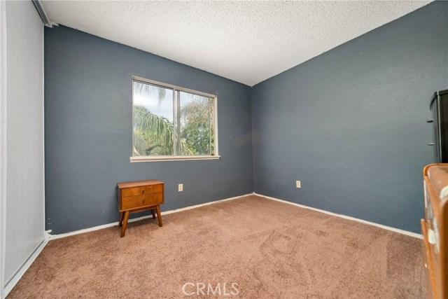 725 S Lassen Avenue, San Bernardino CA: http://media.crmls.org/medias/f87df8e9-0acd-475b-8e27-6aa2dcb0fd72.jpg