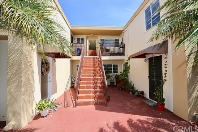 970 Glenneyre, Laguna Beach, California 92651, 2 Bedrooms Bedrooms, ,1 BathroomBathrooms,Apartment,For Lease,Glenneyre,LG20092465