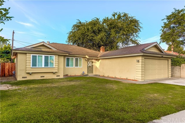 918 Virginia Avenue, Santa Ana CA: http://media.crmls.org/medias/f8a98ee9-d4a5-407f-9ec8-9fea15c34998.jpg