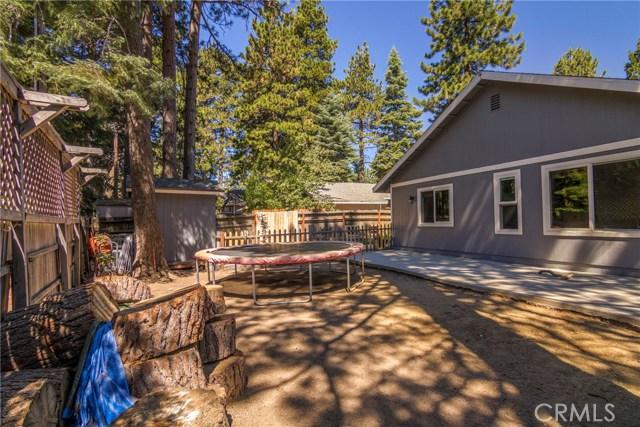 31187 All View Drive, Running Springs CA: http://media.crmls.org/medias/f8bd477e-7001-4529-af65-088ffa1234c8.jpg