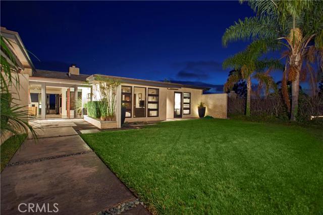 Single Family Home for Sale at 4515 Surrey St Corona Del Mar, California 92625 United States