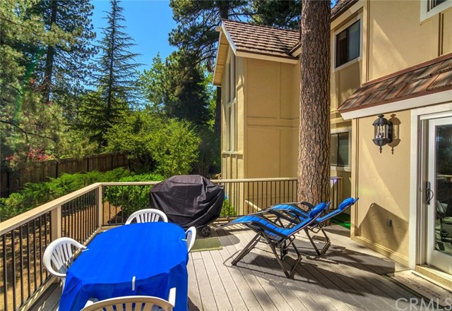 27741 High Knoll Road Lake Arrowhead, CA 92352 - MLS #: EV18004633