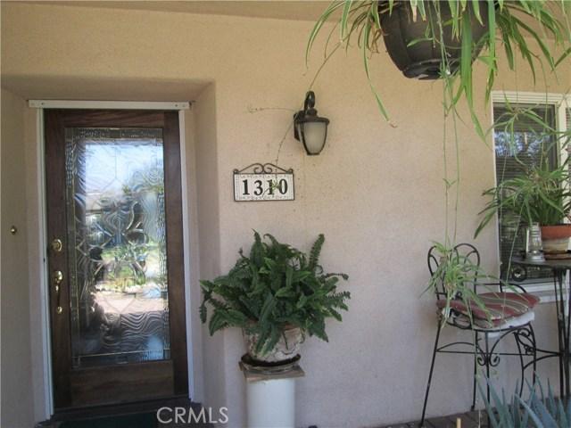 1310 W Morningside Drive, Burbank CA: http://media.crmls.org/medias/f8d33c1d-8300-469c-9b70-40e4cf661c38.jpg