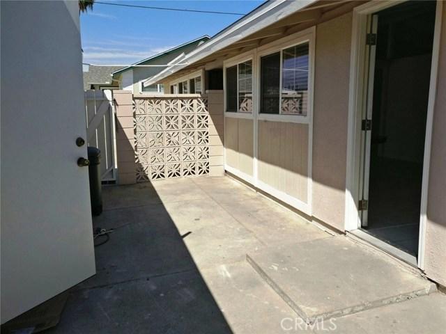 1024 N Orange Blossom Avenue, La Puente CA: http://media.crmls.org/medias/f8d63111-d58b-4e7e-aeb7-7781860a3c79.jpg