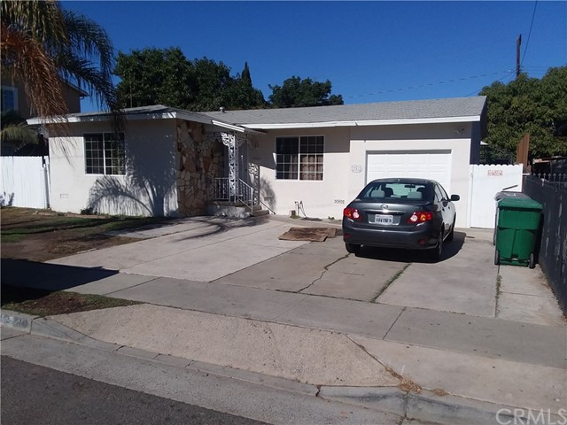 941 W Cubbon Street, Santa Ana CA: http://media.crmls.org/medias/f8fad657-5b42-4600-a5d0-7d3795a0821a.jpg