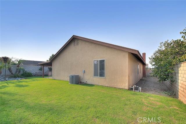 10078 Julian Drive, Riverside CA: http://media.crmls.org/medias/f8fd1fdd-5423-46ab-a7e1-ace57b622258.jpg