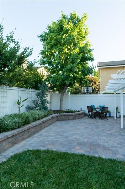 13 Winterbranch, Irvine CA: http://media.crmls.org/medias/f8fe1ab2-ebb5-4772-afd7-23634c1cf724.jpg