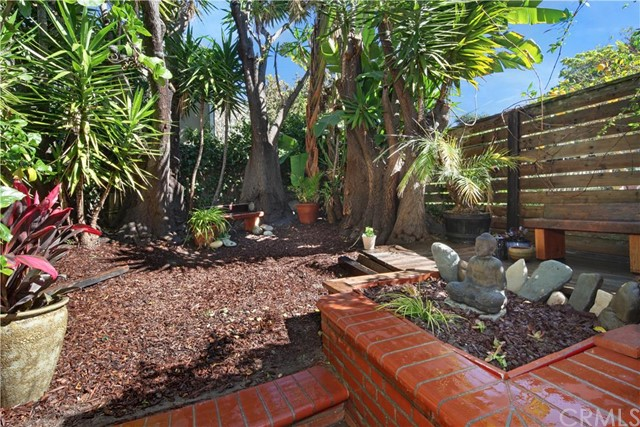 862 Catalina Laguna Beach, CA 92651 is listed for sale as MLS Listing LG16031482