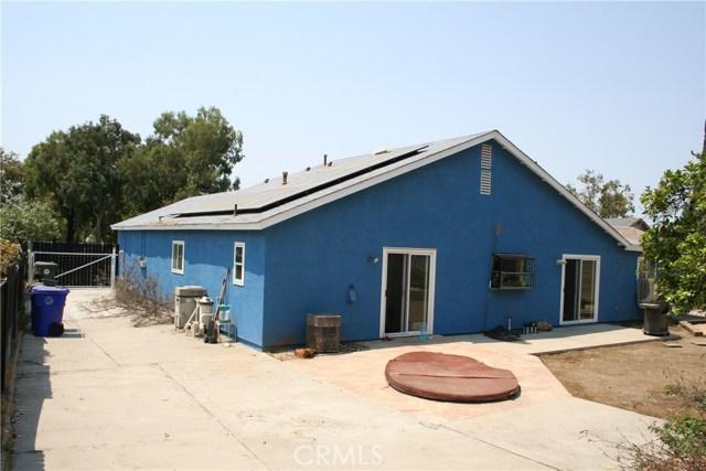 3146 Wysocki Lane, Jurupa Valley CA: http://media.crmls.org/medias/f90917ab-c659-4a70-941f-ab6fedd39403.jpg