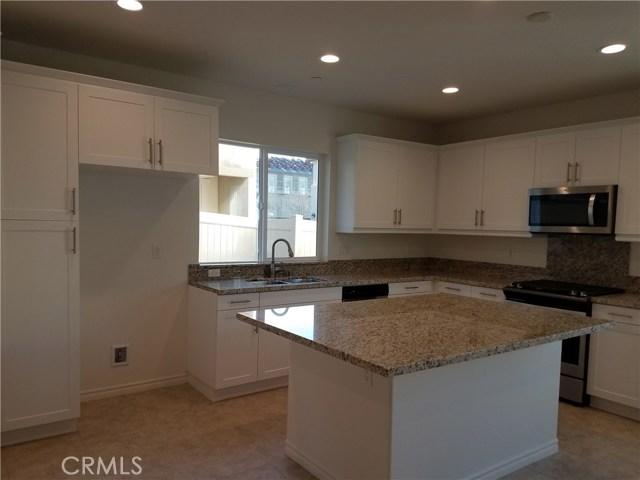 210 W Ridgewood St, Long Beach, CA 90805 Photo 3