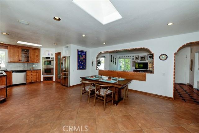 1723 Woodbine Place, Oceanside CA: http://media.crmls.org/medias/f9216713-25d6-4cd7-9ab0-22198e2941fb.jpg