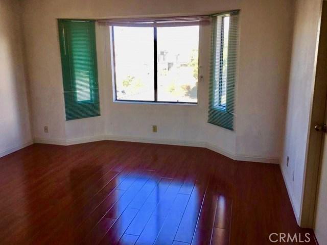 307 S Chapel Avenue, Alhambra CA: http://media.crmls.org/medias/f92295e2-2753-41de-8bdf-eeb445d6fd97.jpg