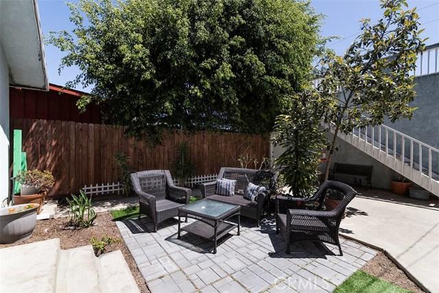 716 14th Street, Huntington Beach CA: http://media.crmls.org/medias/f93ac86f-2e5f-4b65-8e60-dc0ff067f6f6.jpg