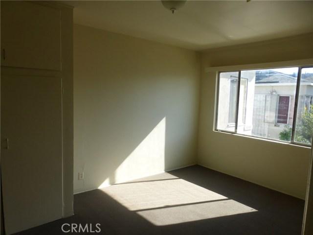 11142 S Mariposa Avenue, Los Angeles CA: http://media.crmls.org/medias/f9420dcc-a641-4f62-82d8-941fa2feedf4.jpg
