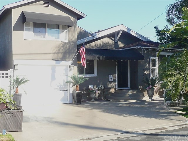 Single Family Home for Sale at 455 6th Street W Tustin, California 92780 United States