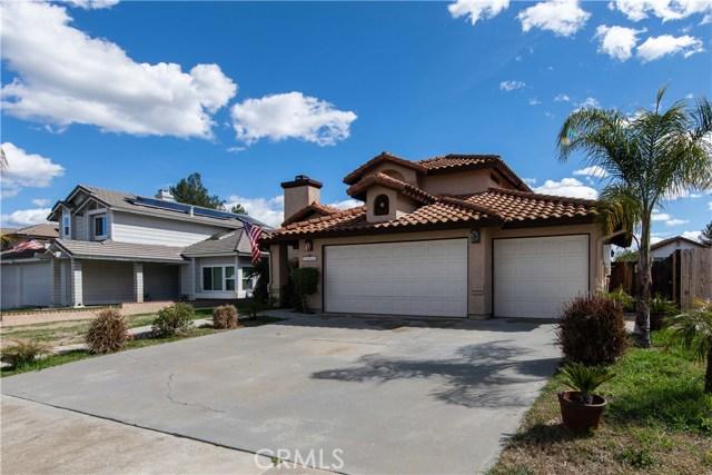 39968 Pearl Drive, Murrieta CA: http://media.crmls.org/medias/f9525276-a53f-4cb9-a588-c76961b35388.jpg
