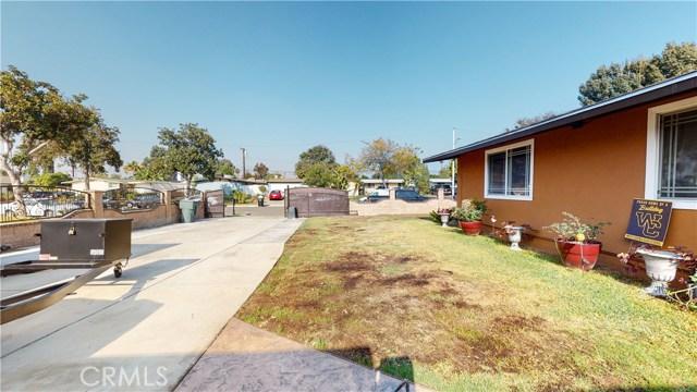 1518 E Sunset Hill Drive, West Covina CA: http://media.crmls.org/medias/f955d2d9-080d-4cf6-b51f-6f90ddd1a837.jpg