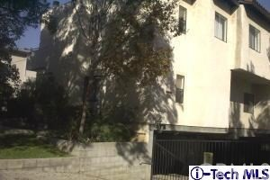 Townhouse for Sale at 222 Catalina S Pasadena, California 91106 United States