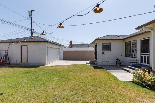 6017 Eberle Street, Lakewood CA: http://media.crmls.org/medias/f97245f3-fc8d-44fd-93f7-ea25a67a62a9.jpg