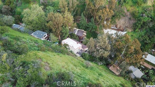 9807 Portola Drive, Beverly Hills CA: http://media.crmls.org/medias/f9780a9c-6065-4b2e-84a4-ee698ef25420.jpg