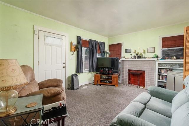 20609 Alburtis Avenue, Lakewood CA: http://media.crmls.org/medias/f98fc6ee-2810-4fc8-aaec-5ad0f3c3fb34.jpg