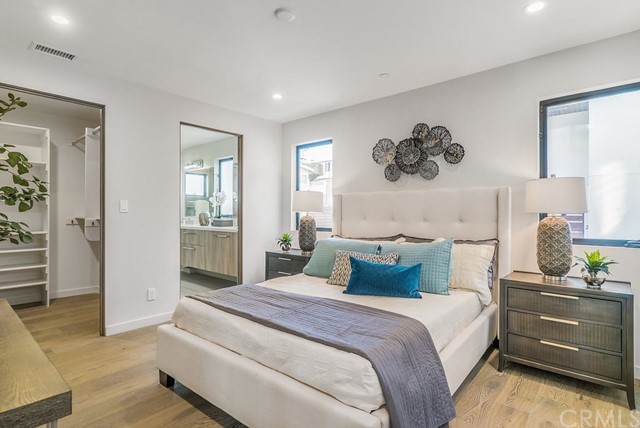 1820 PACIFIC COAST HIGHWAY, HERMOSA BEACH, CA 90254  Photo