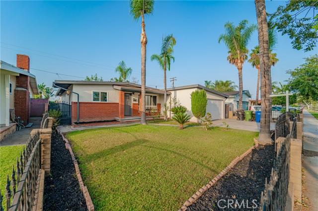 11220 Sibert Street, Santa Fe Springs CA: http://media.crmls.org/medias/f9b14a79-f732-47d4-8f62-7a89fff825fb.jpg