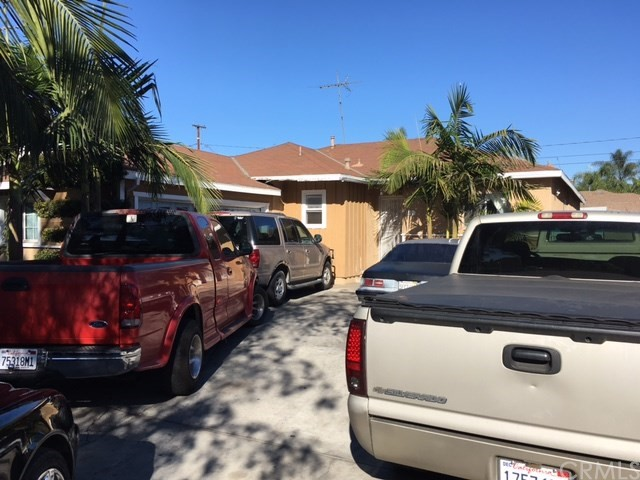 Single Family Home for Sale at 1401 Tolliver Street Santa Ana, California 92703 United States