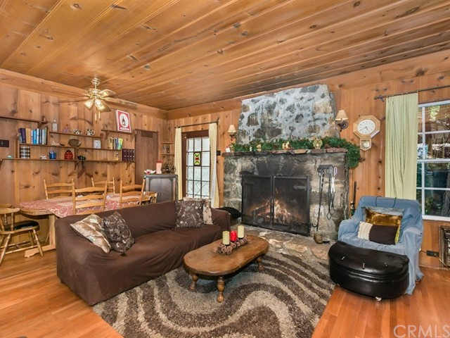 333 Summit Road Lake Arrowhead, CA 92352 - MLS #: EV17162424
