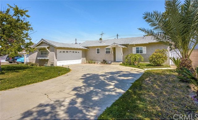 2158 S Vern Street Anaheim, CA 92802 is listed for sale as MLS Listing PW18081553