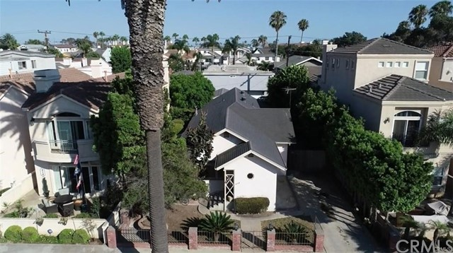 408 8th Street, Huntington Beach CA: http://media.crmls.org/medias/f9c60c6b-c059-4c35-9e42-7dc9d7e5fa76.jpg