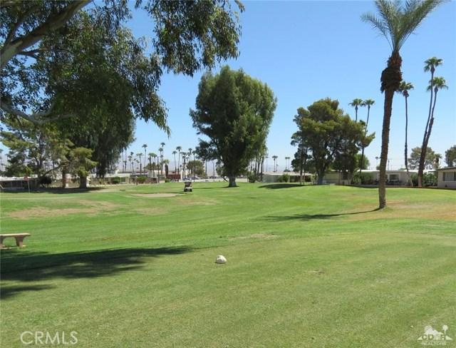 73326 Broadmoor Drive, Thousand Palms CA: http://media.crmls.org/medias/f9c9dc69-1c10-43a0-889e-ce62097dcc94.jpg
