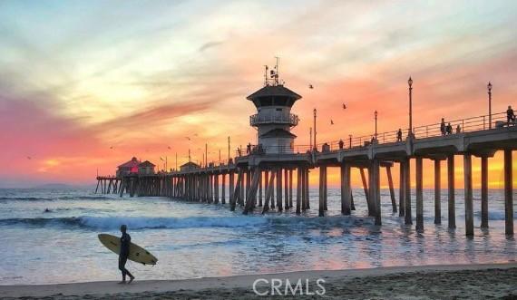 8268 Artista Drive, Huntington Beach CA: http://media.crmls.org/medias/f9caa67d-75f6-4c43-bccb-5ce69d902444.jpg