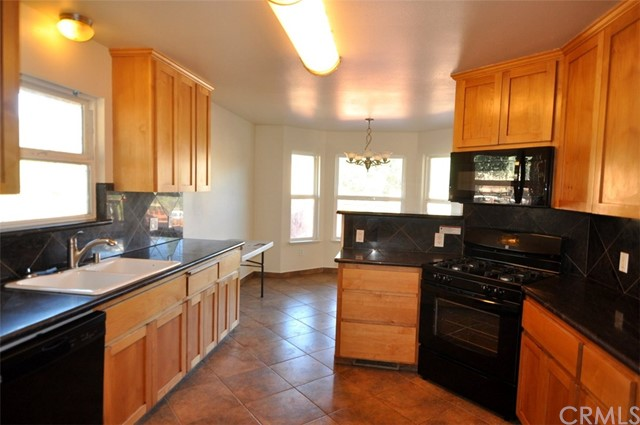 2776 Spring Valley Road, Clearlake Oaks CA: http://media.crmls.org/medias/f9d4afb4-1b7f-466b-940a-0d152f223eb1.jpg