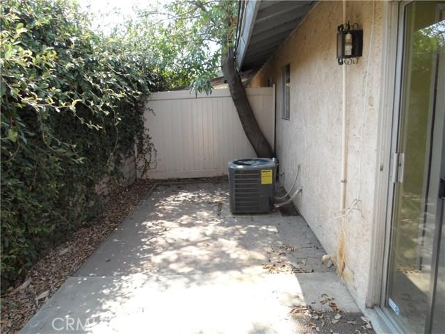 2891 Canyon Crest Drive, Riverside CA: http://media.crmls.org/medias/f9dc7d65-2752-4519-abca-d28056b7559d.jpg