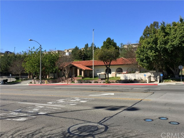 1441 N Brea Boulevard, Fullerton CA: http://media.crmls.org/medias/f9df862e-a203-40b4-92eb-55810779281e.jpg