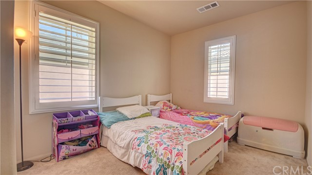 3177 E Chip Smith Way, Ontario CA: http://media.crmls.org/medias/f9e9991f-21b6-4860-a98b-b4b2d52c714f.jpg