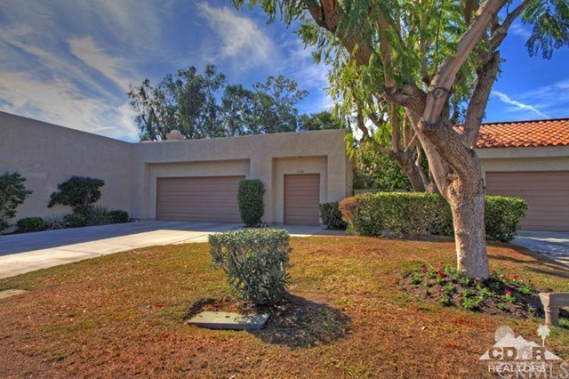 10306 Sunningdale Drive Rancho Mirage, CA 92270 is listed for sale as MLS Listing 215034014DA