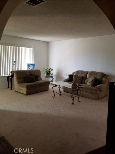 435 E Camden Street, Glendora CA: http://media.crmls.org/medias/f9eeb598-d01f-4a2f-9408-f869beaef805.jpg