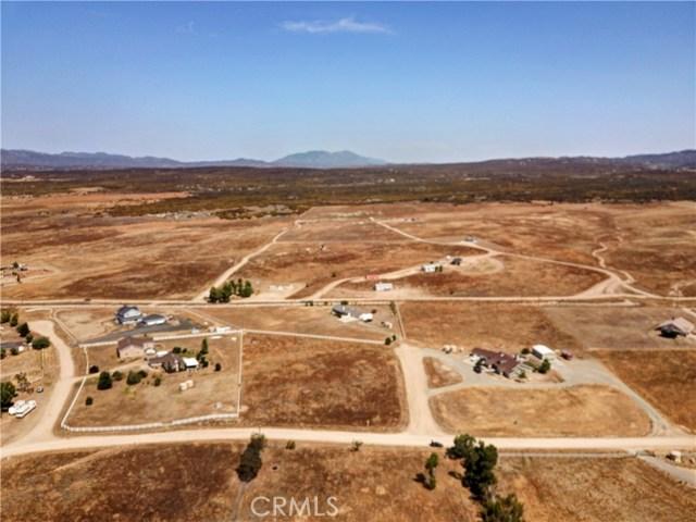 448 Comanche, Aguanga CA: http://media.crmls.org/medias/fa0925c5-7668-4c15-8a28-013c5cbec458.jpg