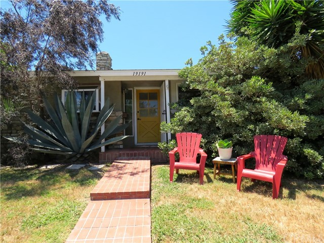 19191 Newland Street, Huntington Beach, CA 92646